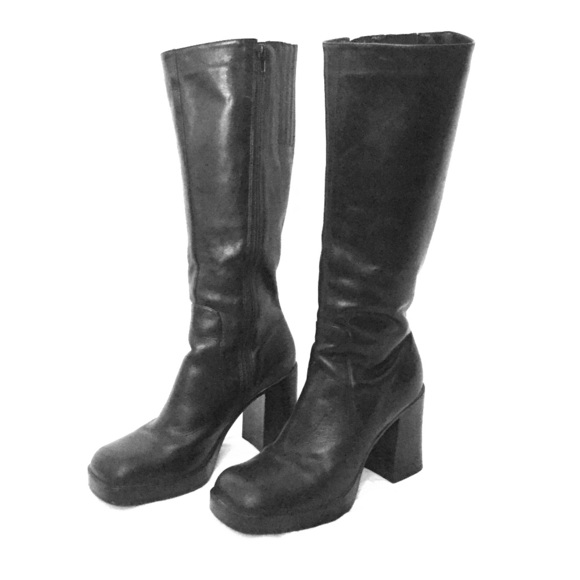 f979e7ac2ec1d Vintage 90s Chunky Heel Leather Knee High Boots